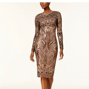 Long sleeve bronze body con sequins dress.